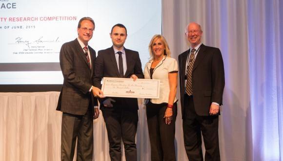 בן קליין, דוקטורנט מאוניברסיטת תל-אביב, זכה במקום הראשון בתחרות קרן ברודקום